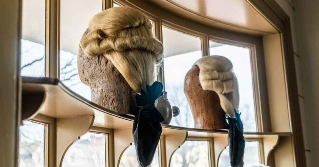 wigs worn by the founding fathers